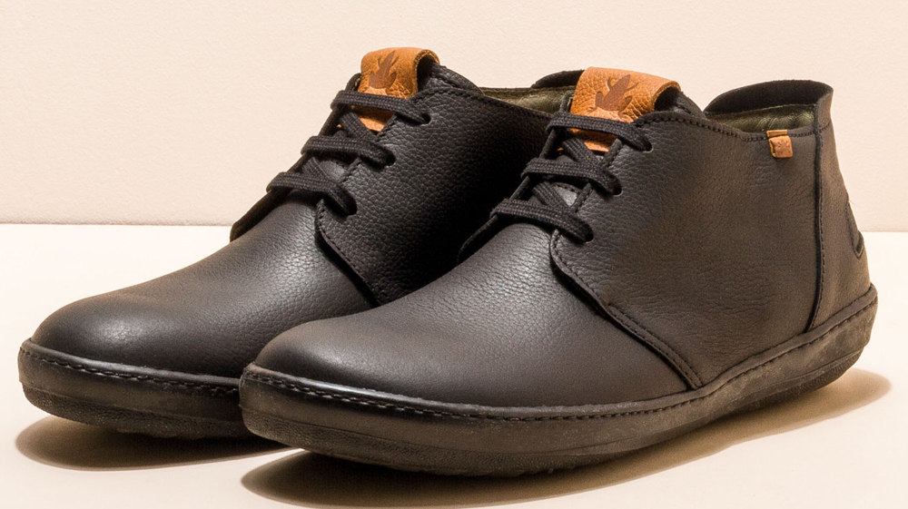 El Naturalista NF98 black leather lace-up boots